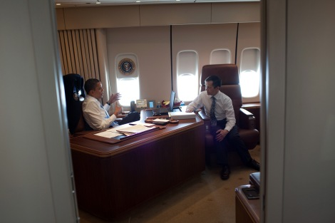 Barack Obama en su despacho del Air Force One.